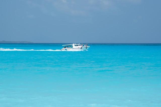 Malediven - Hondaafushi - Schnellboot