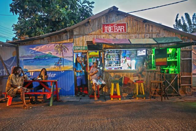 Saint Lucia - Bar
