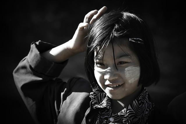 Indochina - Mädchen lächelt